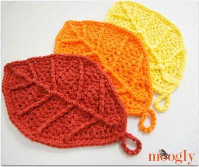 Crochet pattern autumn leaves