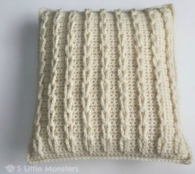 Pattern Cable Loop Pillow