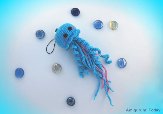 Crochet Jellyfish [FREE Crochet Pattern]   398x567
