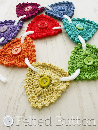 Free Crochet Pattern Button Bunting