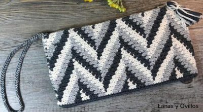 Free Crochet Pattern Tapestry Clutch