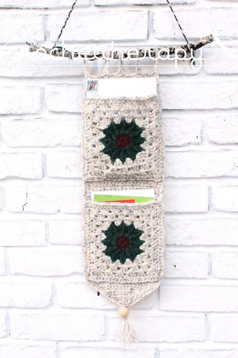 Free Crochet PatternWall Organizer